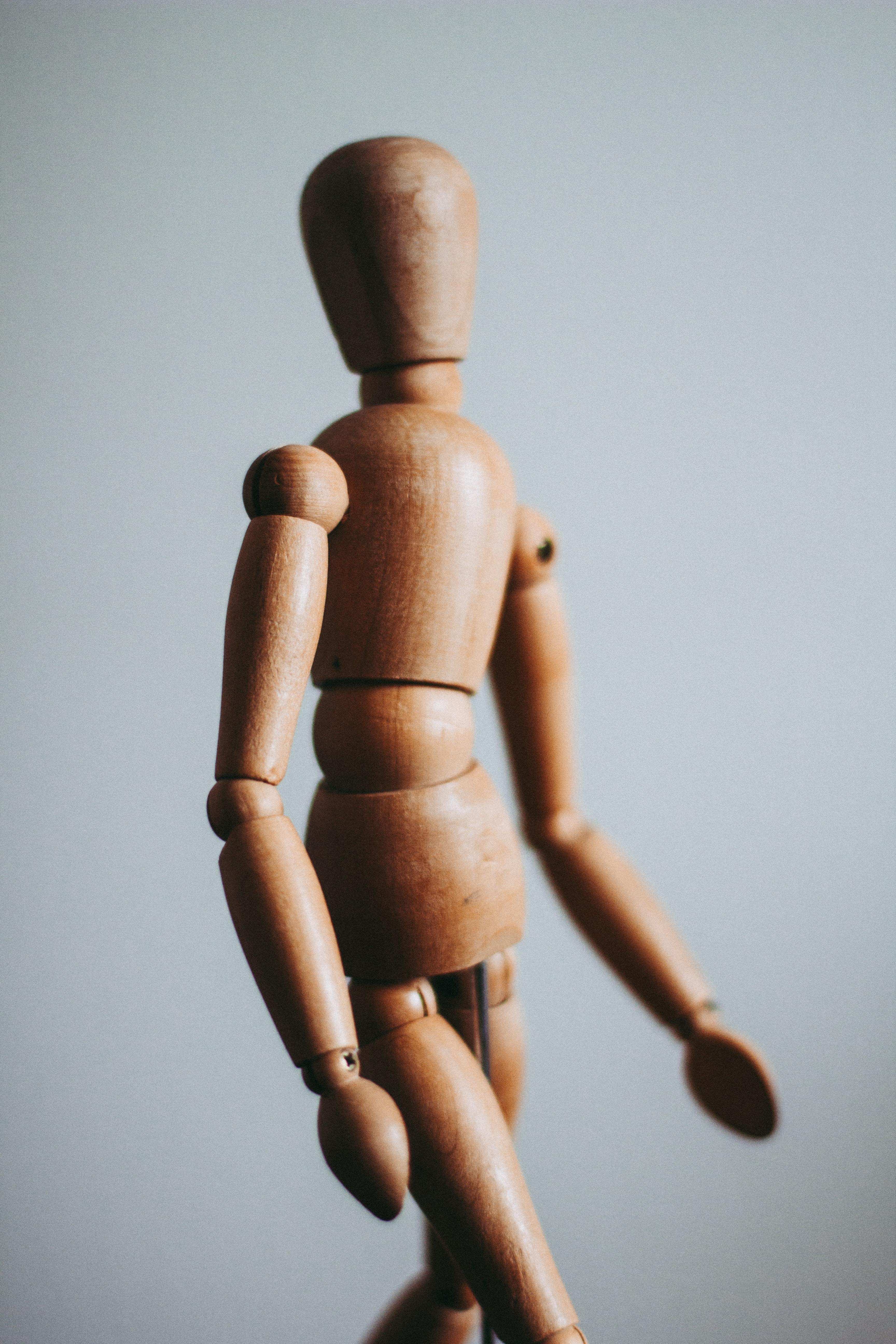 corps humain en bois
